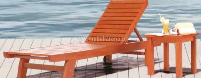 Дървена помощна маса